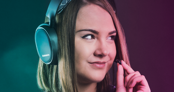 Twitch Gabbie i SteelSeries gamingheadset